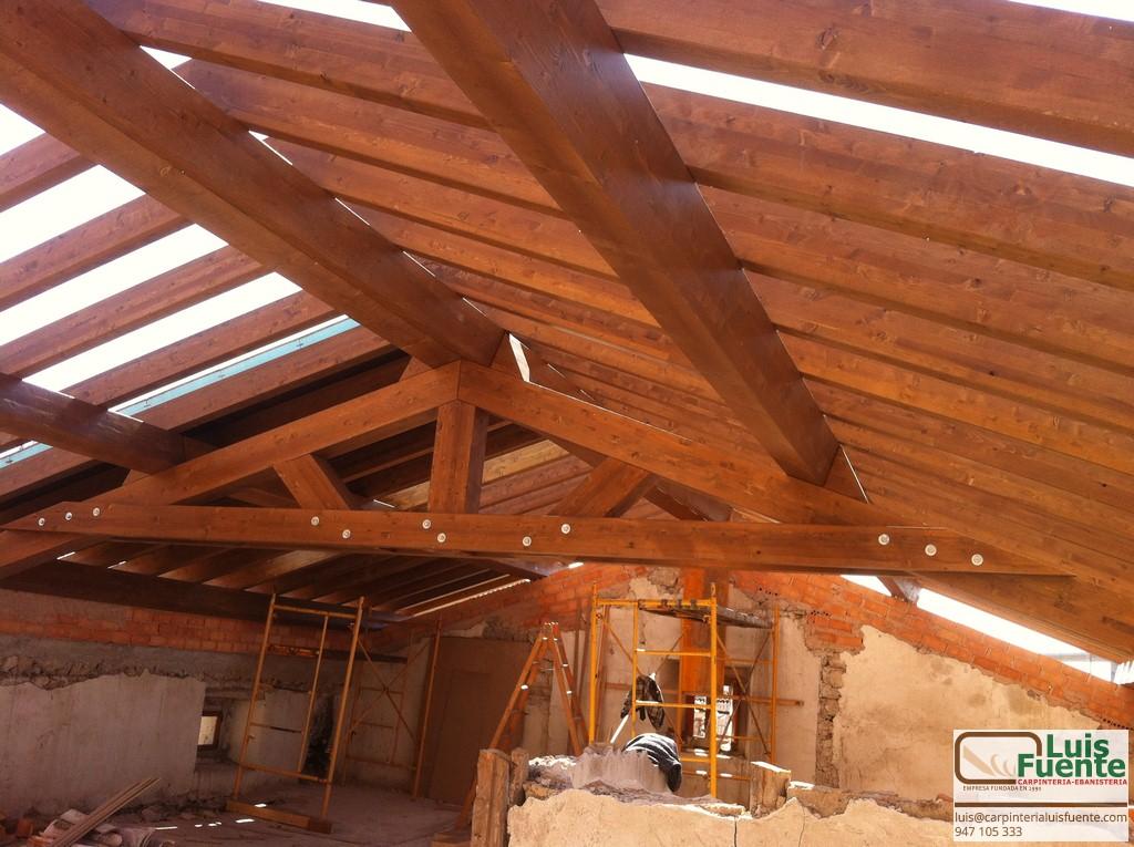 Estructuras de madera carpinter a luis fuente burgos for Tejados de madera en burgos