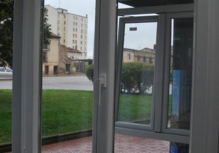 ventanas-aluminio-y-pvc-carpinteria-luis-fuente-burgos-mamparas-puertas-diseño-muebles-cocinas-alta-gama (1)